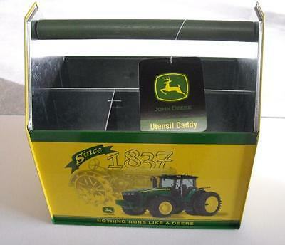 JOHN DEERE TIN UTENSIL / SEWING CADDY-GREAT COLLECT ITEM - NEW - NICE (a)
