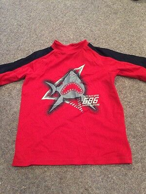 Boys rash vest Red From Gap Age 4/5 kids sun Great Condition
