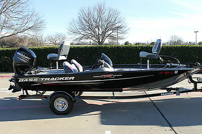 2014 Tracker 175 Txw With 2013 60Hp Four Stroke Only 8 Hrs & Trailer No Reserve