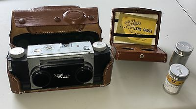 Vintage Stereo Realist David White 3-D 35mm Camera Leather & Extras Clean