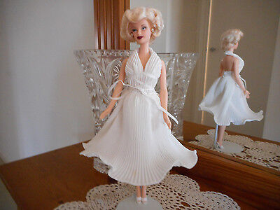Marilyn Monroe Collectable Barbie Doll Seven year itch Movie Hollywood legends