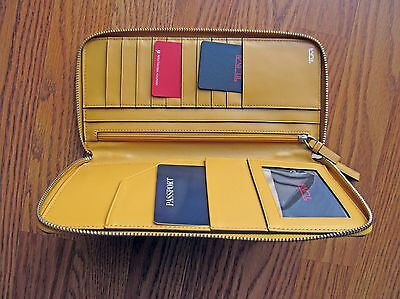 Tumi Prism Travel Leather Wallet Solar Style#: 14482Sol Nwt/$195