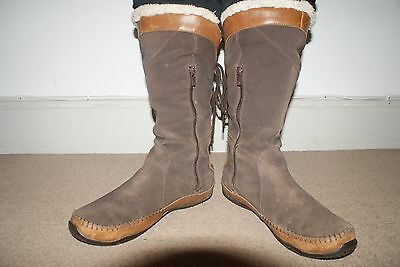 O'Neil Ladies Boots Wool lined for super comfort and warmth size 8 Brown