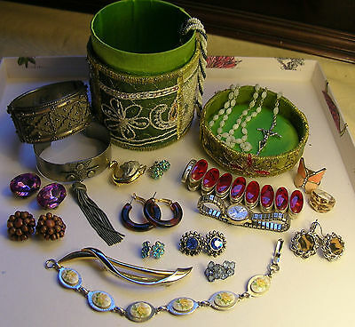 Mixed Vintage Jewellery Lot Unusual Bangles Rosary Crystal Earrings Brooch Boxed