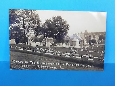 RPPC 'GRAVE OF THE UNIDENTIFIED ON DECORATION DAY 1908  BOYERTOWN,PA' Berks Co.