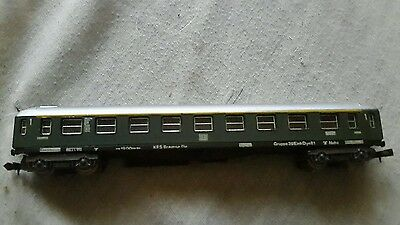 A model railway German 1st class coach in N gauge by Lima unboxed