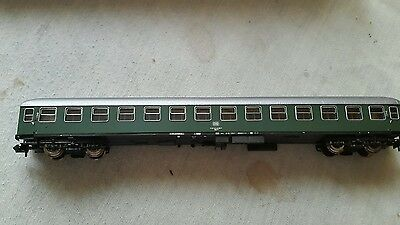 A model railway German 2nd class coach in N gauge by roco boxed no24492
