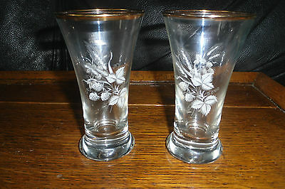 vintage/retro glasses with etched hops & wheat x 2, 11cms tall, nice used con