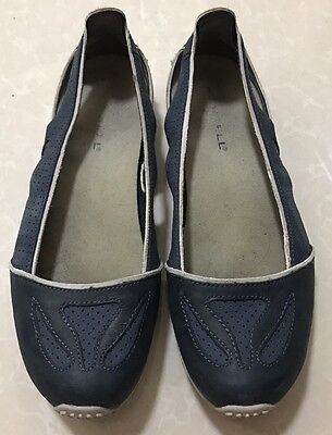 Merrell Ladies Shoes, Size US 8, Great Condition.