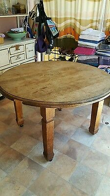 Round oak table 1200mm diameter