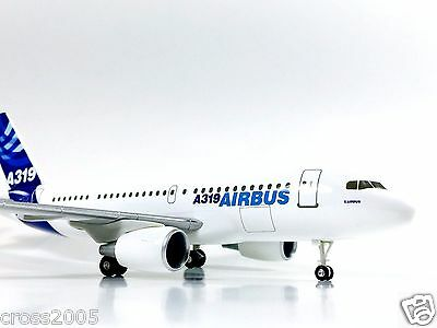 """Hogan Wings AIRBUS DEMO COLORS  Airbus A319 1:200 Scale 6.6"""" New In Box"""