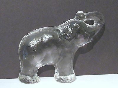 Glass Elephant Figurine Or Paperweight In Excellent Condition