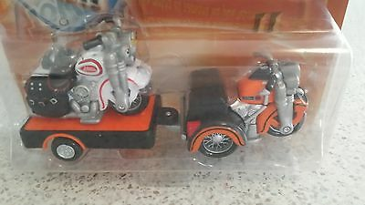 A Harley Davidson Trike, Servicar And Trailer With Solo Bike By Maisto