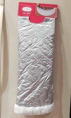 """Tree Skirt Silver Quilted Look with Snowflakes Fun Fur Edge~MRSP $24.99~48"""""""