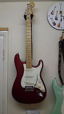 Fender squier standard stratocaster plus gig bag