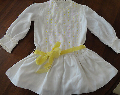 Vintage POLLY FLINDERS White Hand Smocked Yellow Embroidery Dress Girls Sz 5