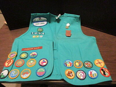 Girl Scout of AMERICA Vest & Patches & Pins - PENN LAUREL - Size Medium - 1990's