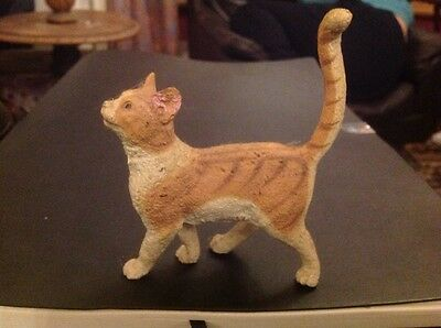 collectors lovely pottery cat