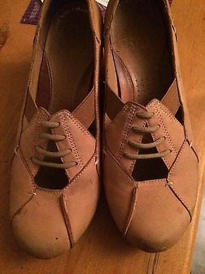 Clarks active air Shoes Platforms Wedges with lace Leather Beige