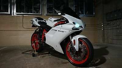 2013 Ducati Supersport  Ducati 848 Evo Artic Frost Satin White with red, HID, ARROW Exhaust, Rare Combo
