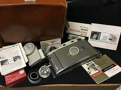 Vintage Polaroid Model 800 Land Camera..case..lots Of Goodies Great Condition