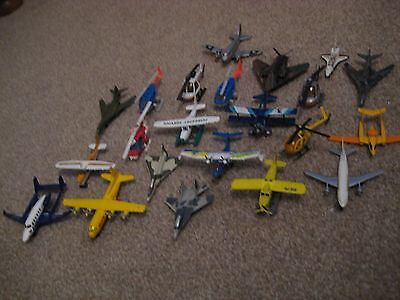 Job lot of 22 diecast Aeroplanes and helicopters