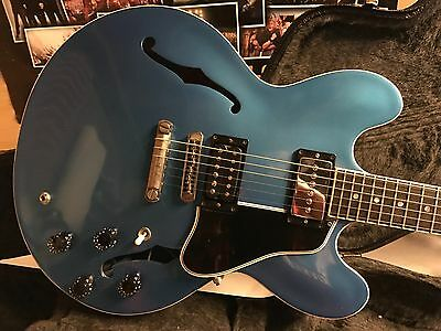Gibson 335 Plain top 2008, Pelham blue refinish and Bareknuckle Pickups.