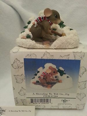 FITZ & LOYD CHARMING TAILS A Shoveling We Will GO Figurine 87/204