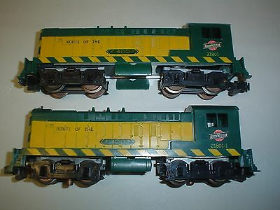 Lot of American Flyer Trains Engine 2180 and 4 Cars