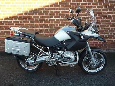BMW R 1200GS.Only 15800 miles from new.