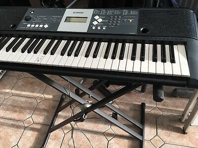 Yamaha Keyboard YPT-230 With Portable Stand