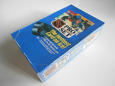 NHL PRO SET THE 1990 SERIES 1 SEALED DISPLAY BOX of 36 PACKS OF CARDS