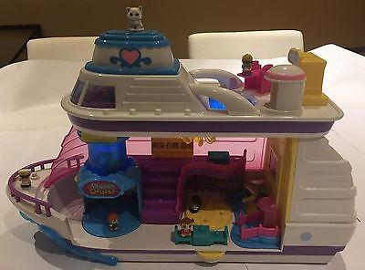 Squinkies Cruise Ship & 10 Squinkies, Excellent Condition.