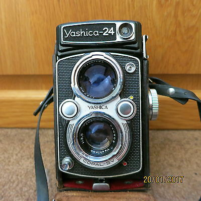Yashica 24  TLR camera in case