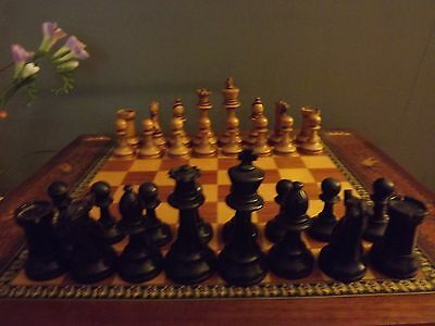 A staunton large chess wooden vintage pieces Ebony and Box wood
