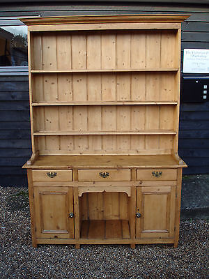 OUTSTANDING 19th CENTURY PINE FARMHOUSE TWO PIECE DOG KENNEL DRESSER VICTORIAN