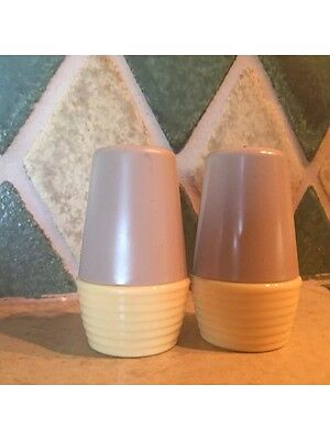 Vintage Retro Salt And Pepper Shakers Beige/pale Yellow