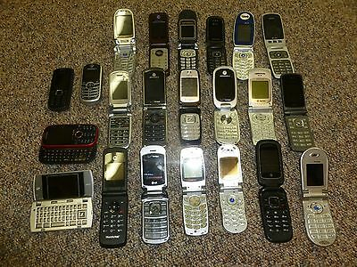 22 Mixed Cellphones - LOT -  FOR PARTS