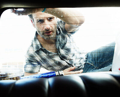 Andrew Lincoln UNSIGNED photo - H3501 - The Walking Dead