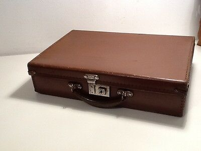 Vintage Leather Case, Tan with blue interior , good condition