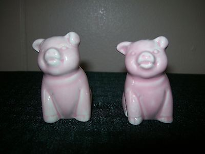 Decorative Little Pig Salt and Pepper Shakers Market and Vine Collection