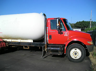 2002 international 4400 lp gas delivery truck