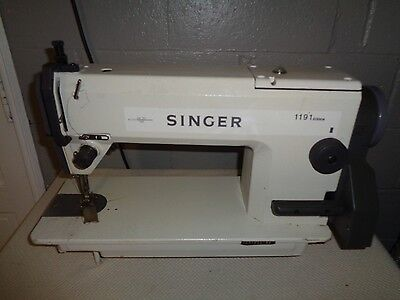 Singer 1191 D300A Industrial Sewing Machine