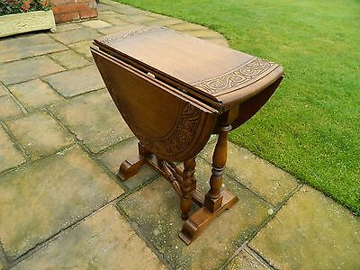 Antique style Oak, Drop-leaf, Hall / Lounge, Oval occasional Table.