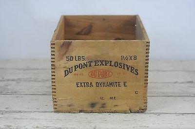 Antique Wood Crate DuPont Extra Dynamite E Explosives 50Lbs 1 1/2x8 Dovetailed