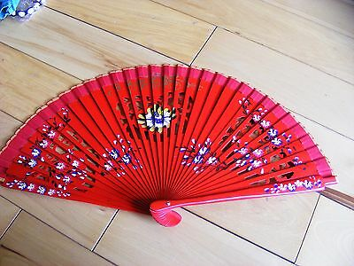 L@@k Red Brightly Painted Fan (Bn)
