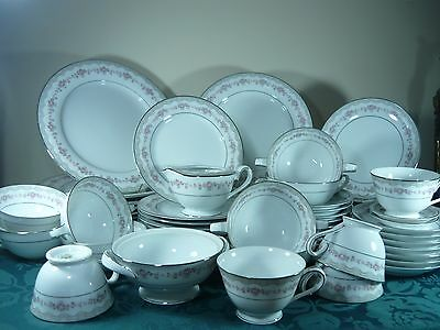 Noritake Dinner Setting Part 'glenwood 5770
