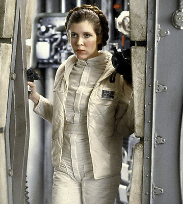 Carrie Fisher UNSIGNED photo - H3807 - Princess Leia - Star Wars