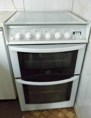Parkinson Cowan Double Oven Gas Cooker Auto Features - Very clean -Free standing
