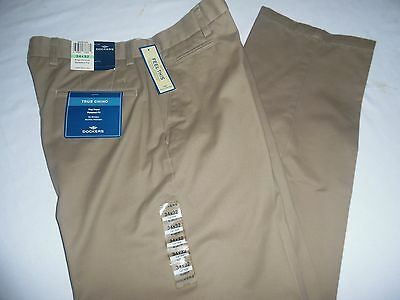 Dockers Men's Size 34 X 32 Relaxed Fit Flat Front Chino Pants Nwt